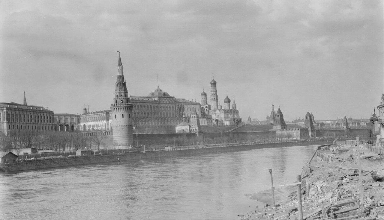10. Вид на Кремль от Большой Полянки