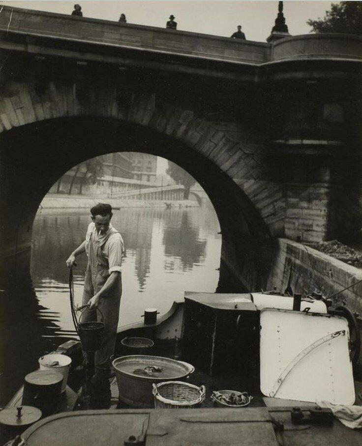 1930-е. Рыбак на берегу Сены