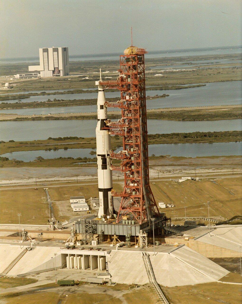 В ходе имитации запуска в середине января отказала автоматическая система контроля заправки третьей ступени ракеты-носителя жидким кислородом. Через четыре с половиной часа заправка возобновилась