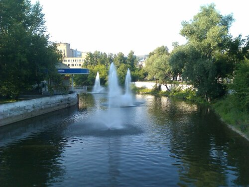 Фонтаны на реке Сим