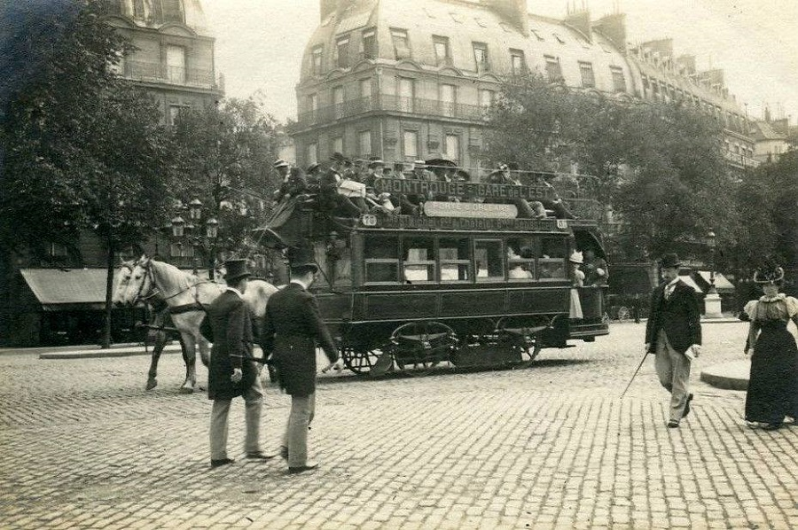 8 Tramway Omnibus hippomobile, vers 1900.jpg