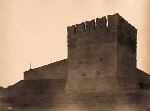 Вид одной из 4-х глухихбашен и части стены Кремля (1580-1620 гг.,строители Михаил Вельяминов и Дей Губастый). Астрахань г.