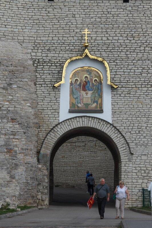 Великие ворота, Псковский Кром