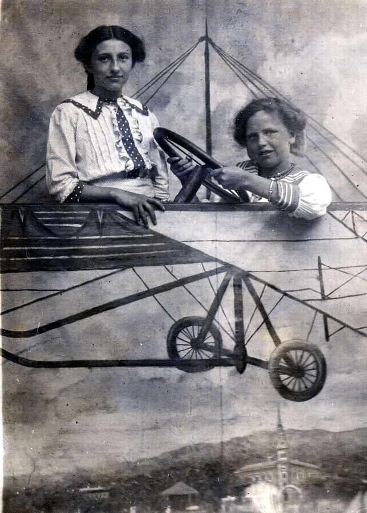 Художественные фоны для фотографий авиационной и воздухоплавательной тематики (12)