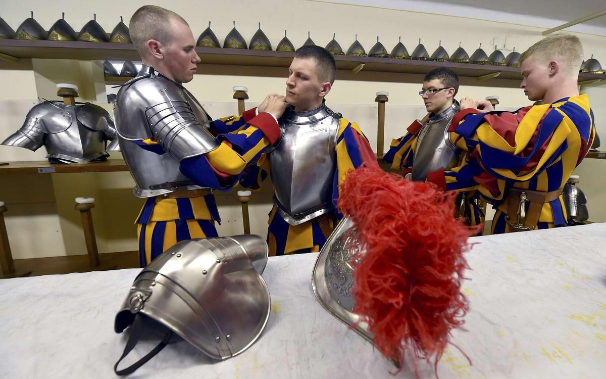 Швейцарская гвардия Ватикана: Новобранцы присягают на верность Папе Римскому (3)
