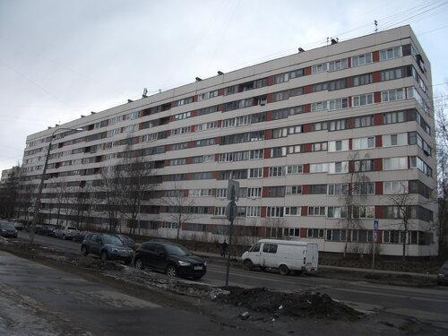 ул. Кустодиева 2