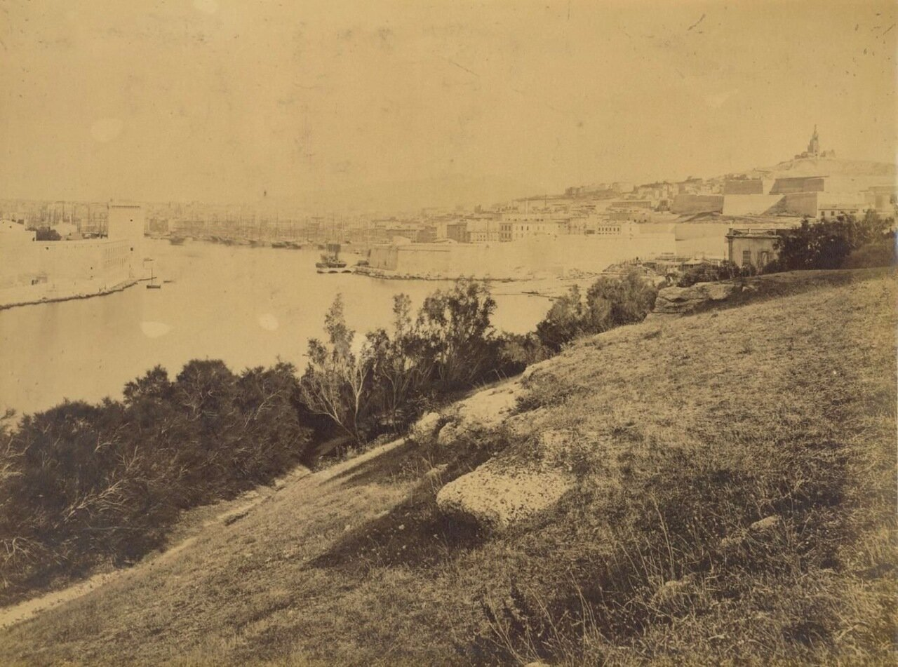 Панорама порта с Нотр-Дам-де-ла-Гард