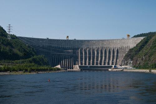Саяно-Шушенская ГЭС (фото Ирины Якуниной)