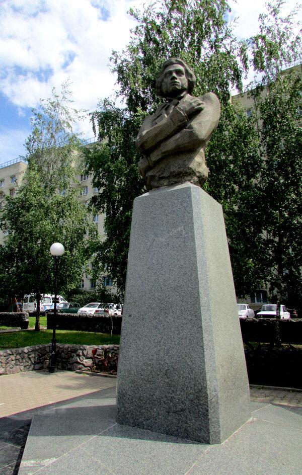 Пушкин сквер.jpg
