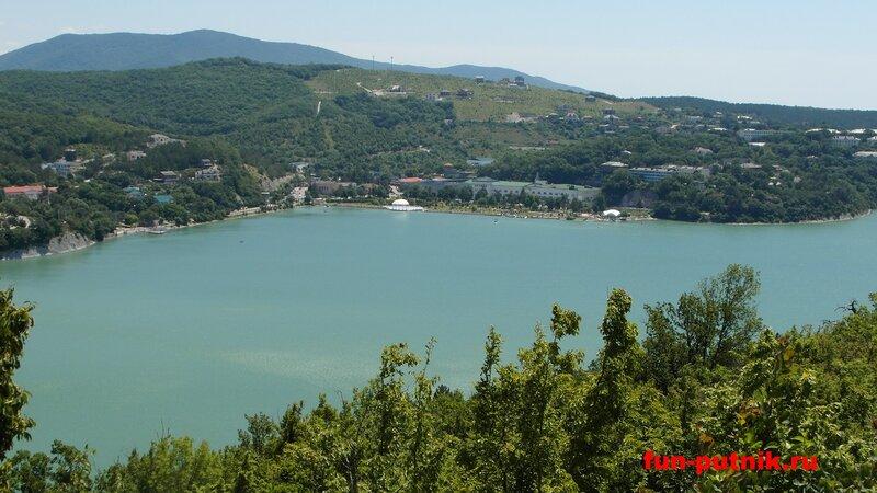 Отдых в Абрау-Дюрсо - озеро Абрау