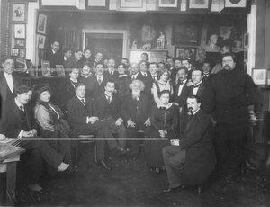 Группа артистов Александринского театра и студии в гостях у Ходотова Николая Николаевича.