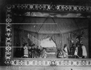 """""""Договор князей"""" - сцена из постановки живых исторических картин."""