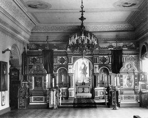 Иконостас домашней церкви благоверного великого князя Александра Невского при училище.