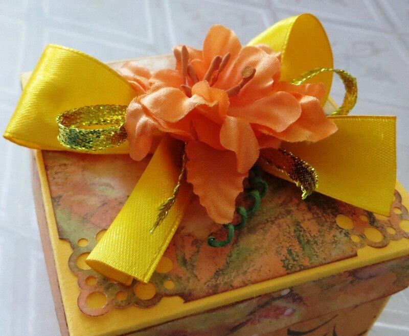 """Поздравительная коробочка """"С днем рождения!"""""""