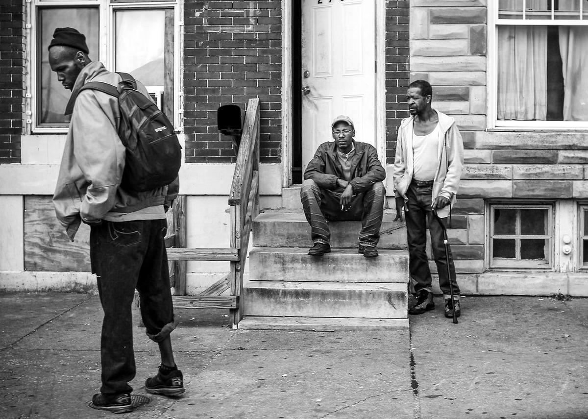 Неулыбчивая Америка: Черно-белая жизнь в бедных кварталах современного Балтимора (6)