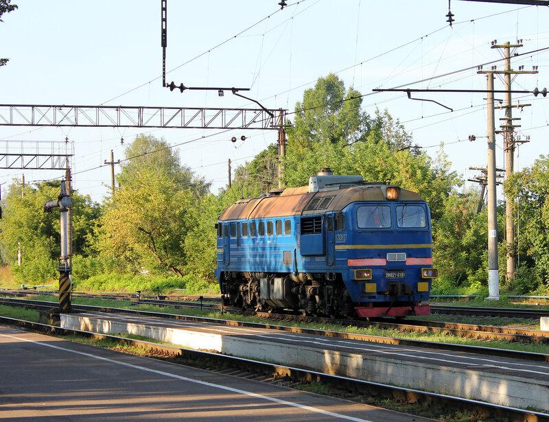 2М62у-0191 на станции Луга-1