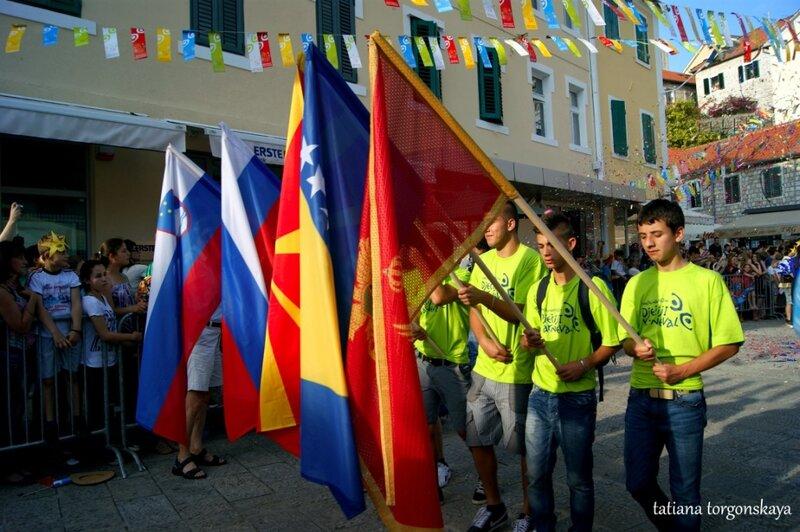 Флаги стран-участниц