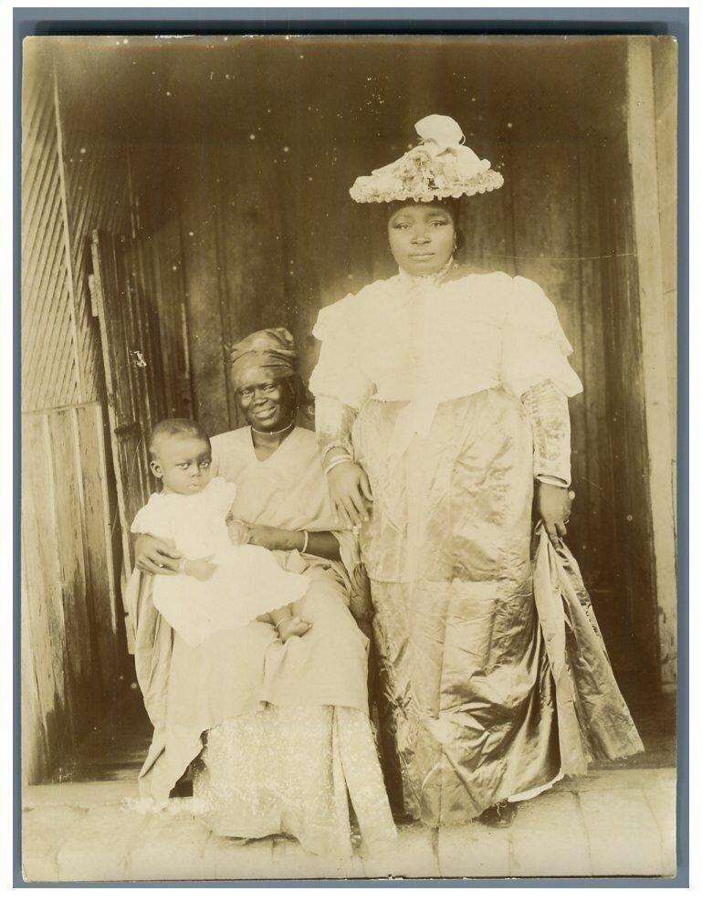 Цивилизованные женщины в Сен-Луи. 1895