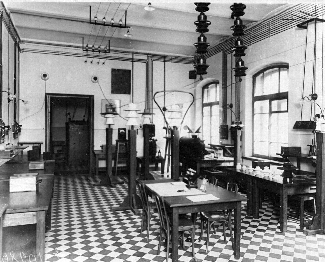 51. Кабинет для практических занятий по электросигнализации