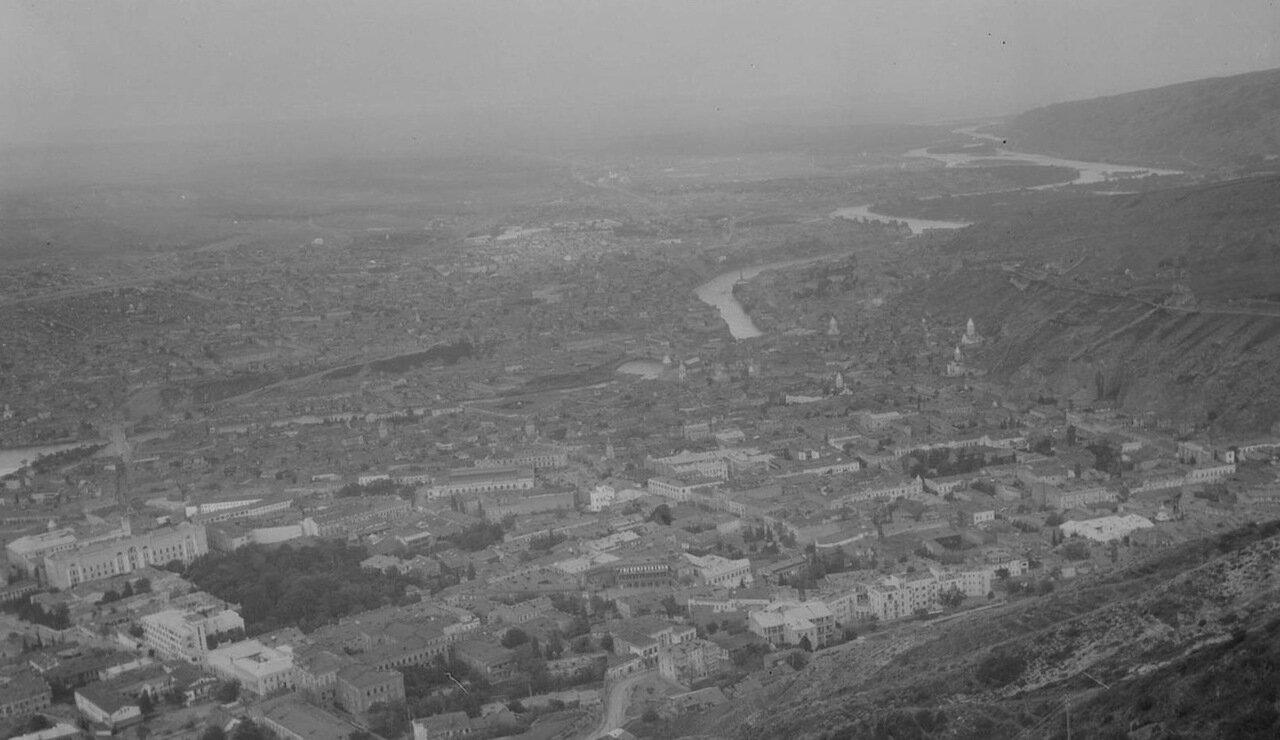 Тбилиси. Панорома города с высоты птичьего полета