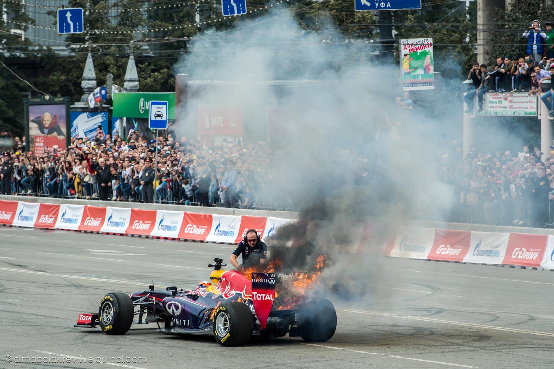 В Челябинске загорелся болид Формулы-1