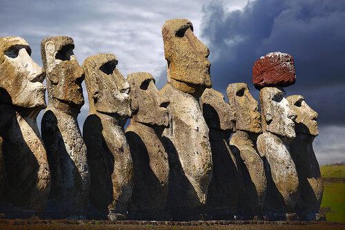 Каменные лица