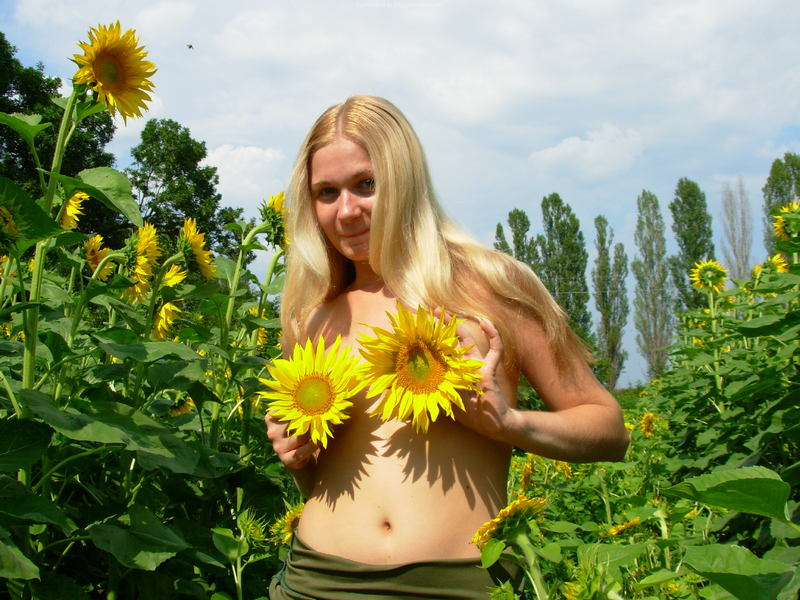 фото секретарша в мини на шпильках блондинка