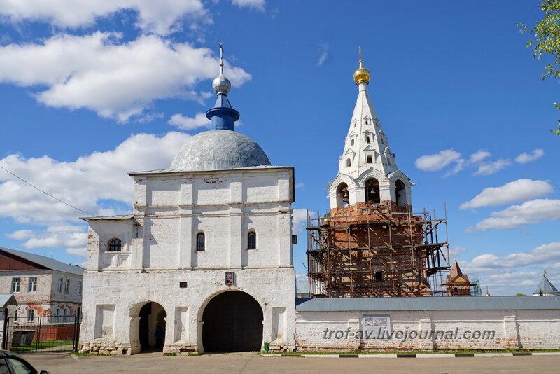 Надвратная церковь Преображения господня, Можайский Лужецкий Ферапонтов мужской монастырь