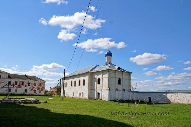 Церковь Введения Пресвятой Богородицы, Можайский Лужецкий Ферапонтов мужской монастырь