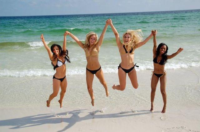 Красивые горячие девушки на пляжах 0 101cc0 1d0327 orig