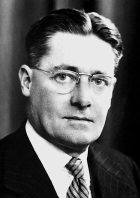 Howard_Walter_Florey_1945.jpg