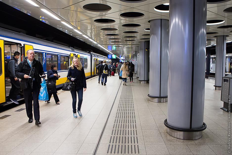 Как добраться до аэропорта Амстердама Schiphol на поезде