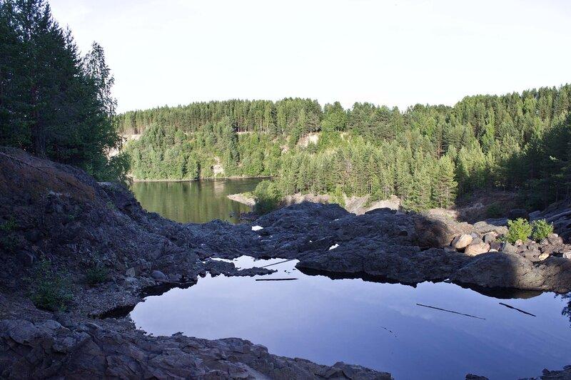 русло водосброса Пальеозерской ГЭС и Пионерный канал в пос. Гирвас