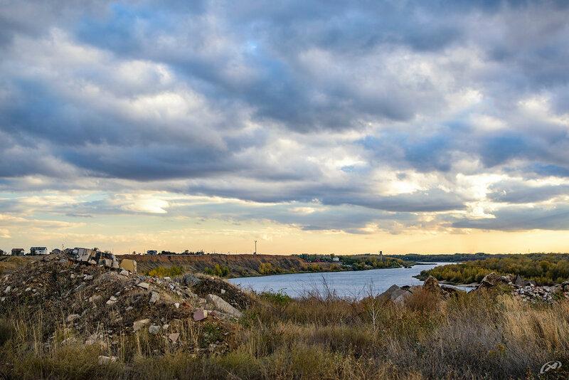 Мусор и свалки на берегу реки Ахтуба по дороге из Волжского в Киляковку
