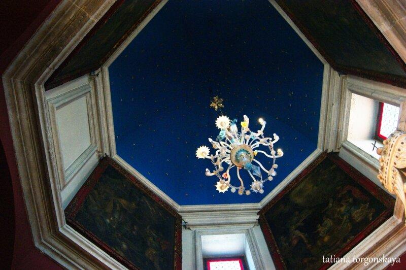 Потолок церкви