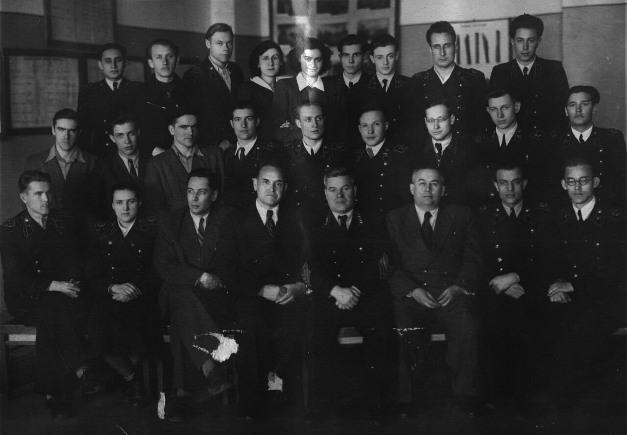 Студенты горного института им. Сталина