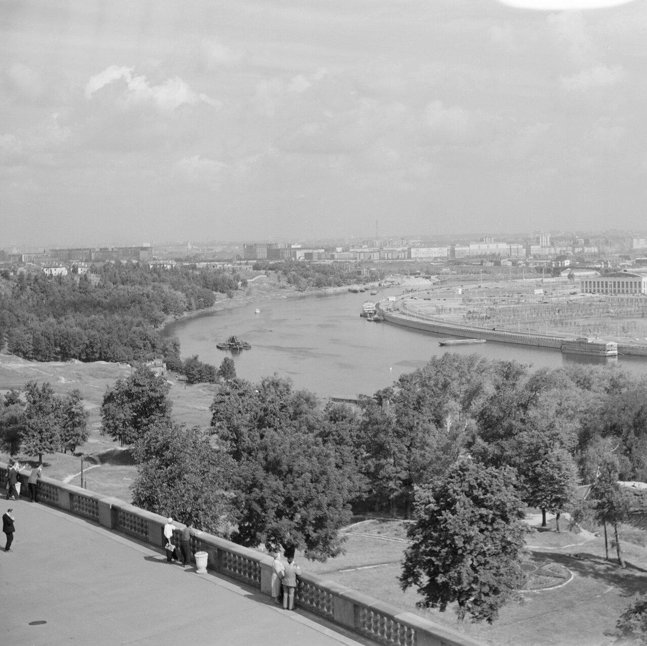 Вид на город с Ленинских гор