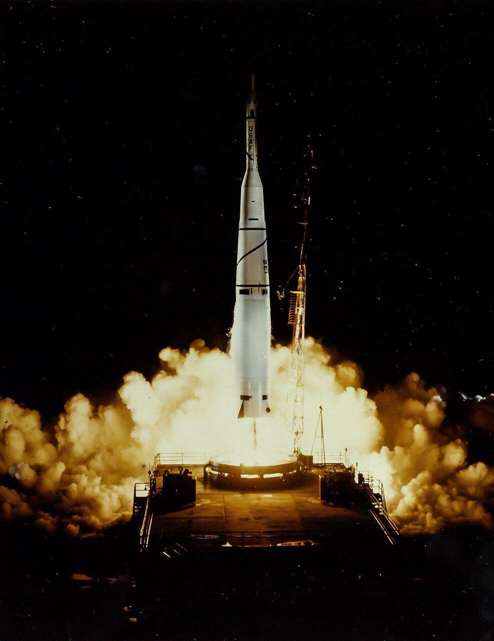 15. 1959, март. Запуск ракеты «Минитмен-миссайл» на мысе Канаверал
