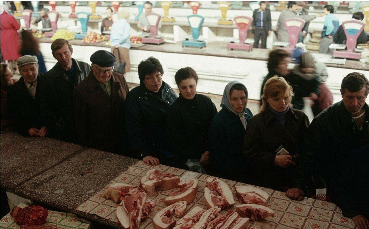 1991. Новокузнецк. Местный рынок