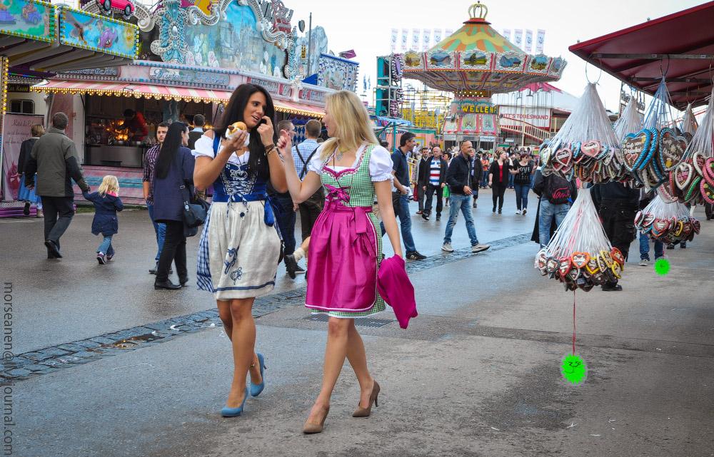 girls-Oktoberfest-(7).jpg