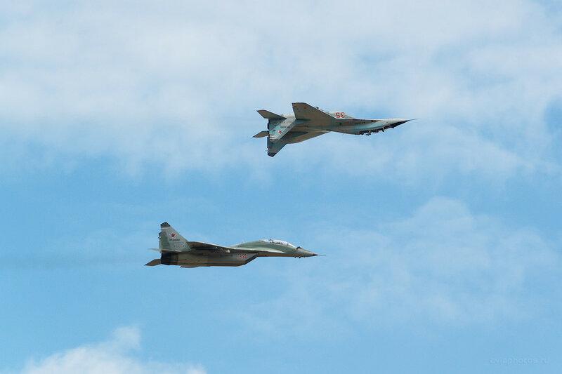 Микоян-Гуревич МиГ-29УБ (RF-92268 / 35 красный) D809586