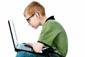 В школах запустилась новая экспериментальная программа по обучению информатике
