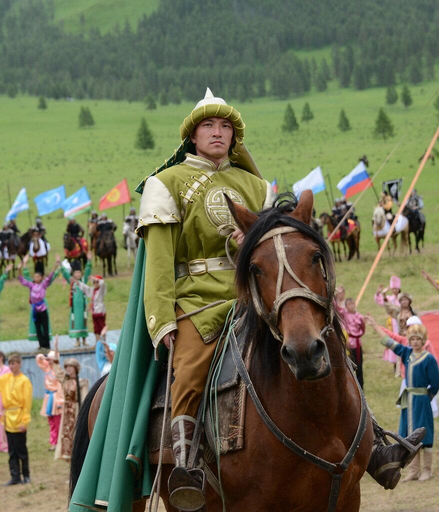 Хан-Алтай. Костюм Алтайского воина