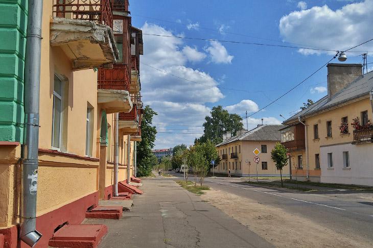 2. Этот район возник сразу после войны. В ноябре 1945 года на базе бывшего авиазавода был организова