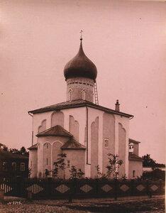 Вид церкви Св. Георгия со Взвоза (построена в 1494 г.). Псков г.