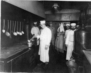 Внутренний вид вагона-кухни