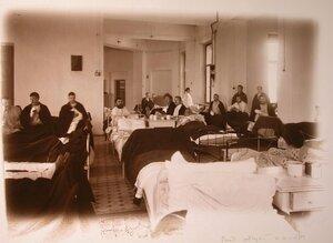 Раненые в одной из палат госпиталя.