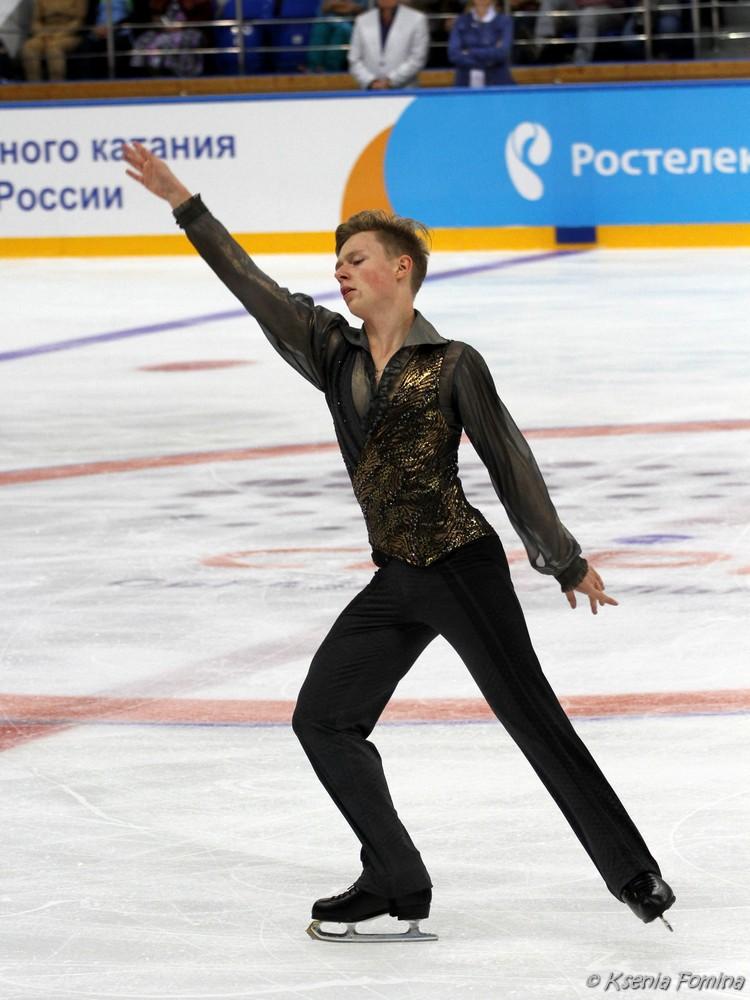 Александр Петров 0_c6411_575b9823_orig