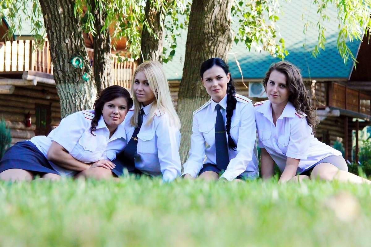 Моя милиция меня бережет: Лица девушек из российской полиции (1)