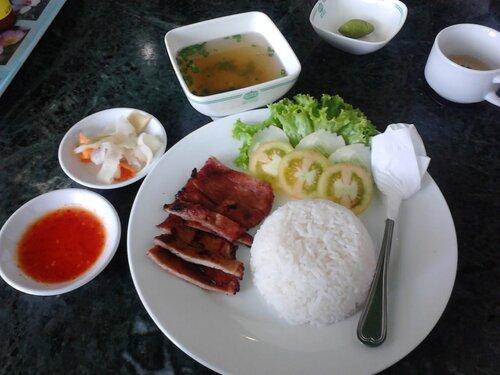 рис и свинина,кухня Камбоджи фото